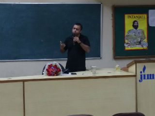 An interactive session was organized by JIMS Economics Club (E-360)