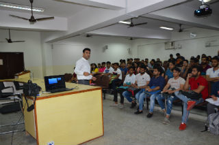 JIMS Rohini organised Pre Placement Activity on Resume Writing, GD and PI for BCA students