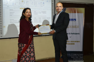 Dr. Bhupender Kumar Som, Professor & Dean, PGDM (IB) program at JIMS