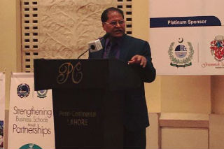 Dr. J. K. Goyal, Director, JIMS delivered a lecture to the audience comprising of Deans and Directors of business schools of Pakistan