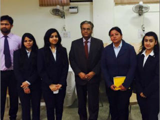 Professor SC Kapoor with PGDM Students at JIMS Rohini